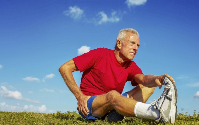 older-man-stretching-hip-pain(2)